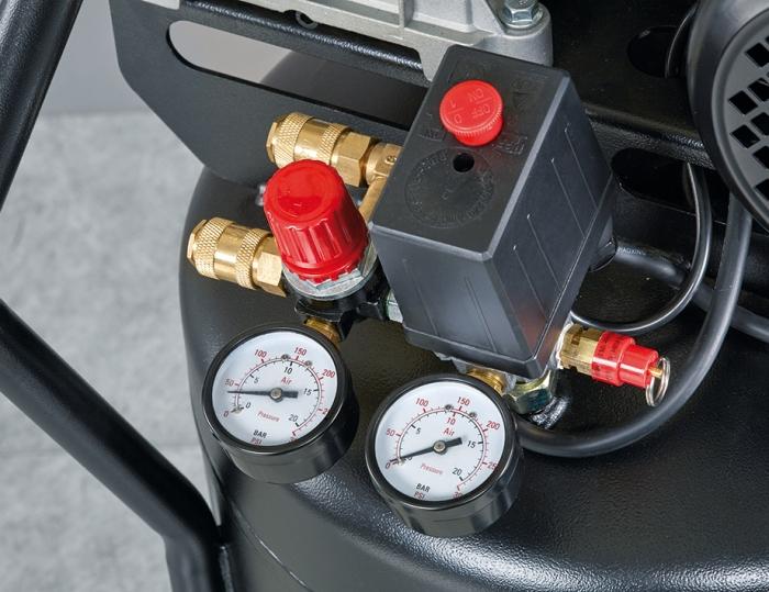 Panel de control posicionado en la parte frontal para garantizar un fácil uso de la maquina.