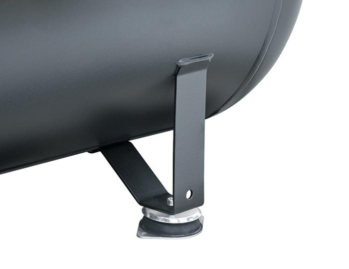 Pies anti-vibración de gran tamaño que procuran una mayor estabilidad durante el funcionamiento. Incluidos en el compresor.