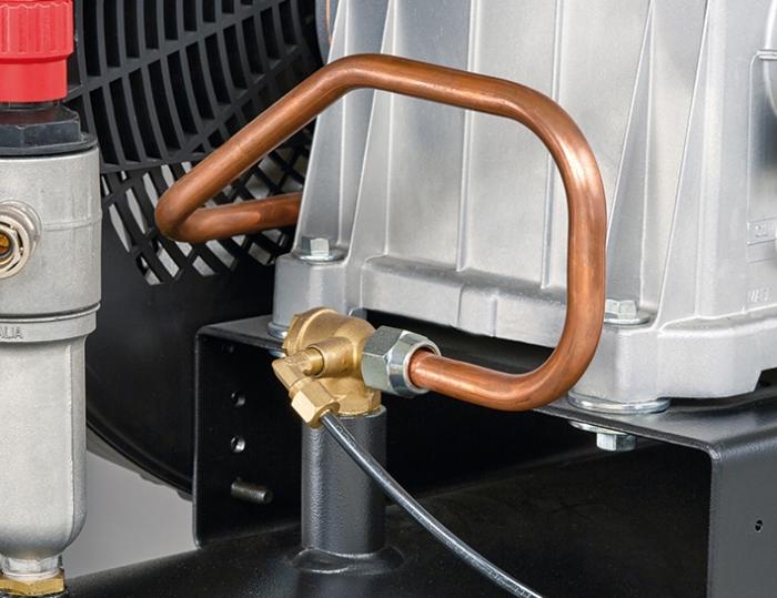 Tubo colector diseñado para mejorar la refrigeración del aire a la entrada de la caldera.