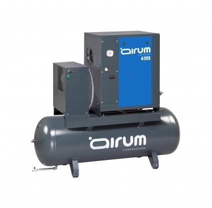 Compresor de tornillo con secador sobre caldera de 200lts.