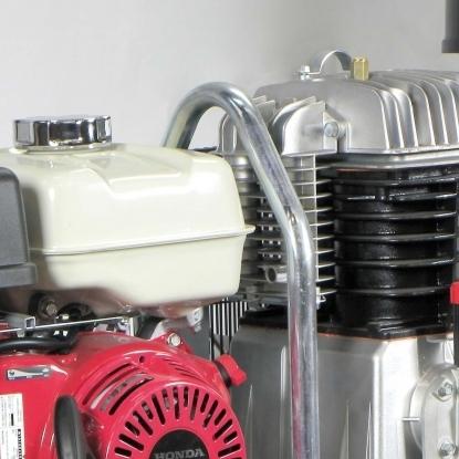 Motor de explosion HONDA conforme a las mas severa normativas de emisiones.