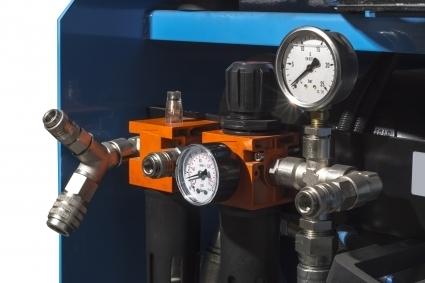 Conjunto filtro regulador mas lubricador, con salida para camiones.