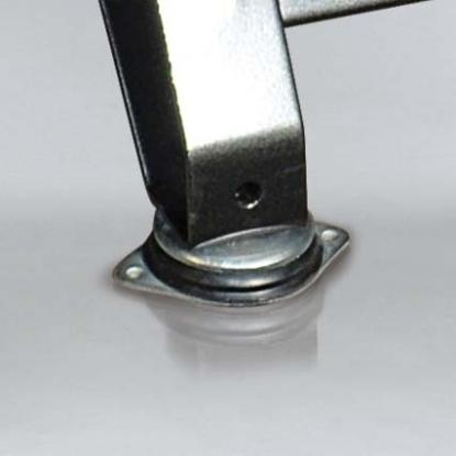 Patas anti-vibración de gran tamaño que procuran una mayor estabilidad durante el funcionamiento.