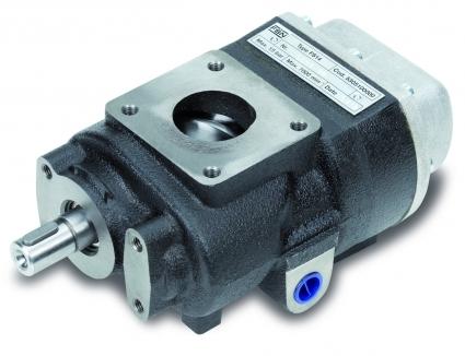 Los Grupos tornillos completamente disenados y fabricados en Italia.  Asi como la valvula de aspiracion y el bloque separador con valvula de minima presion.