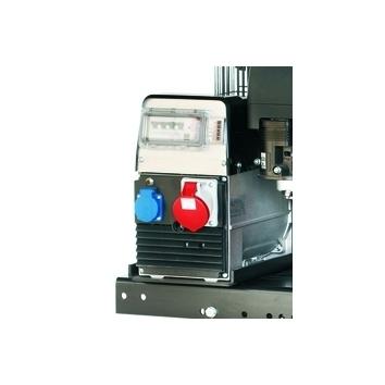 Generador con base trifasica y toma monofasica.
