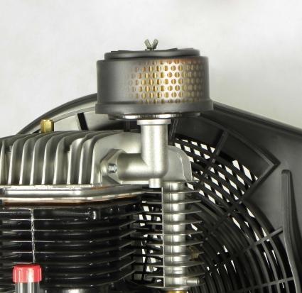 Filtro de aspiracion de grandes dimensiones estudiado para reducir el sonido y optimizar el rendimiento del compresor.