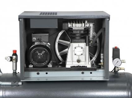 Total accesibilidad a las partes internas, tanto mecanicas como electricas. Facil mantenimiento.