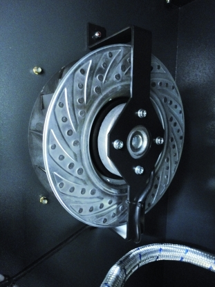 Ventilador centrifugo controlado termostaticamente para una refrigerancion ideal, manteniendo un bajo nivel sonoro.